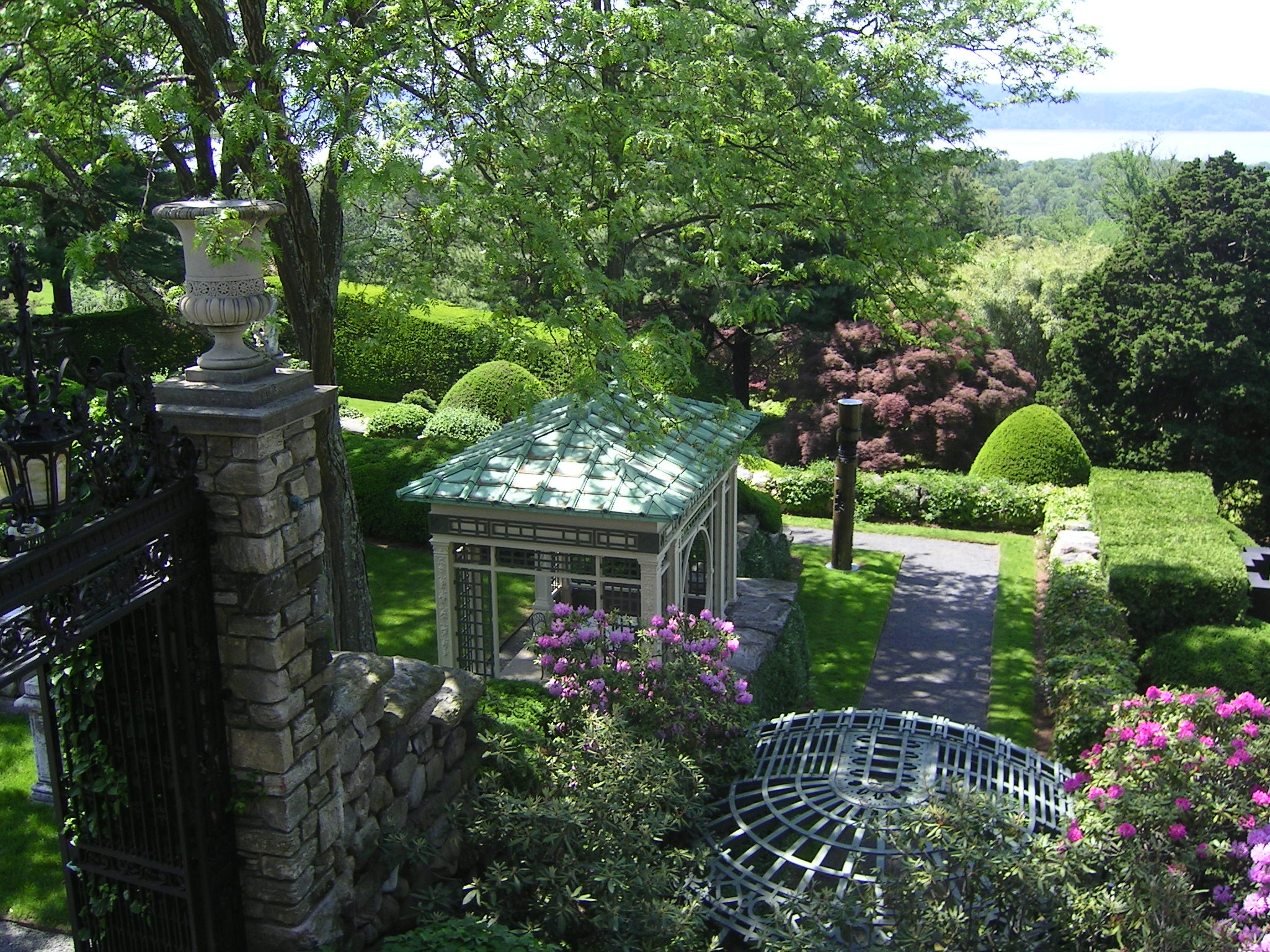 Kykuit the rockefeller estate hortus 2 there is life for Secret design