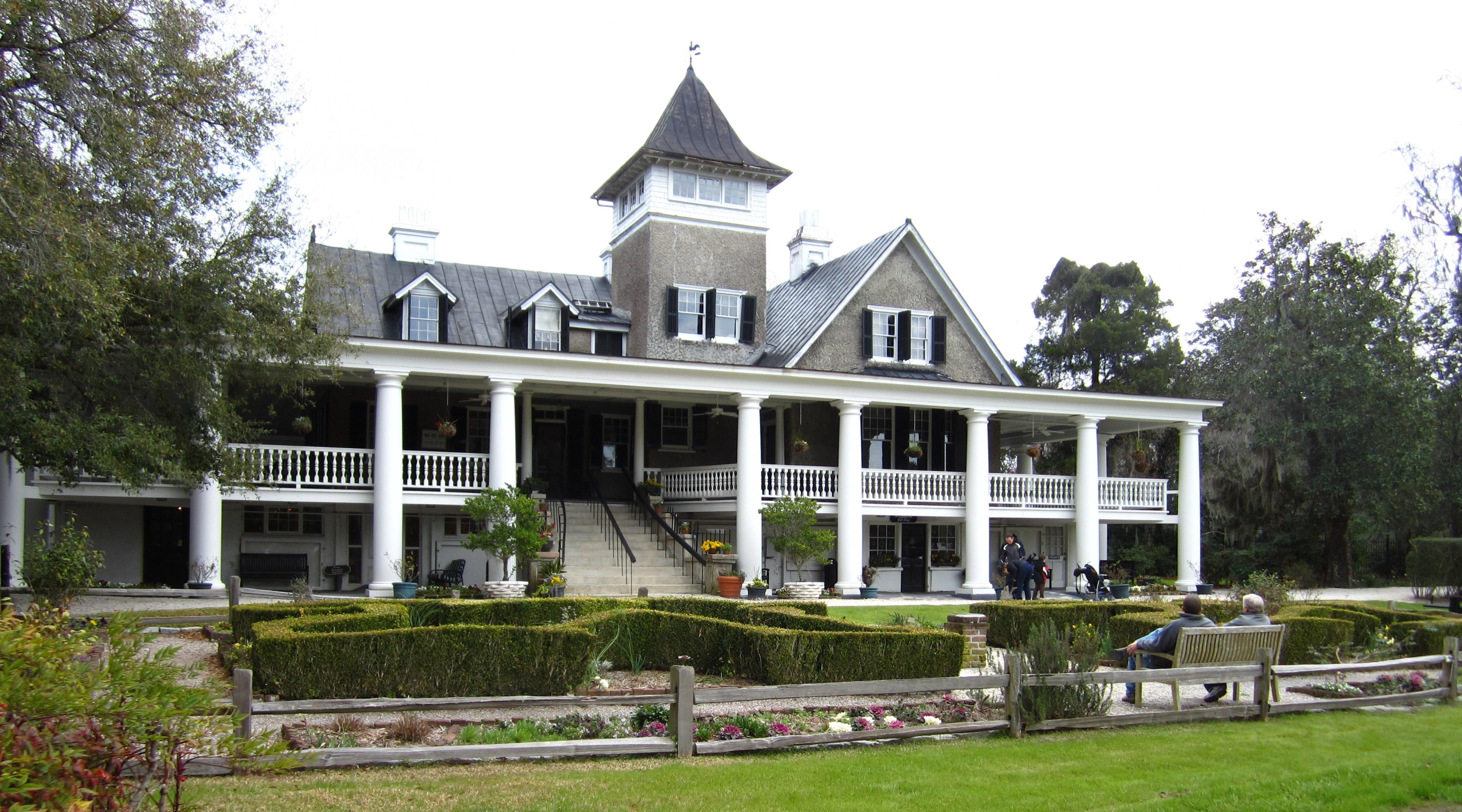 belgard pavers paver stones retaining walls hardscapes magnolia gardens nursing home. Interior Design Ideas. Home Design Ideas